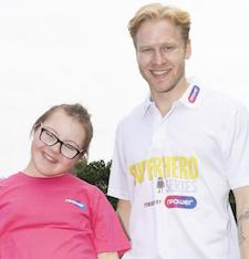 Future Paralympic star meets idol Jonnie Peacock at Superhero Tri