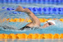 Bath-based swimmer Jazz Carlin records win against USA